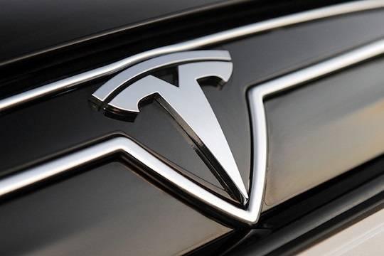 Наонлайн-аукционе продадут лимузин Tesla