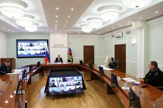 Первый замглавы МВД обсудил с послами ситуацию с мигрантами