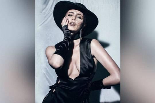 Певица MARUV стала жертвой ограбления в аэропорту