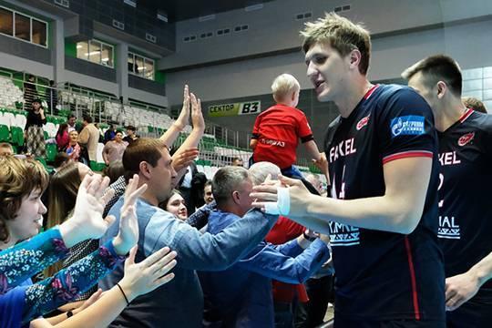 «Победа» объявила благодарность экипажу заснятие срейса волейболиста Кимерова