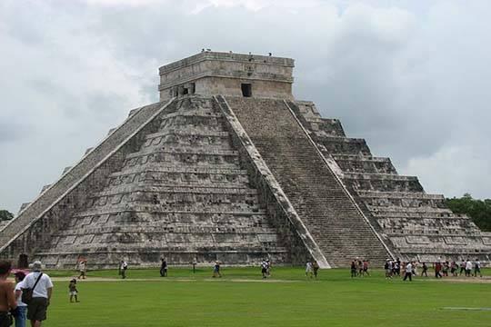 Под древней пирамидой майя обнаружено подземное озеро