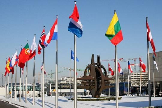 Под видом учений НАТО концентрирует войска у российских границ – Минобороны РФ