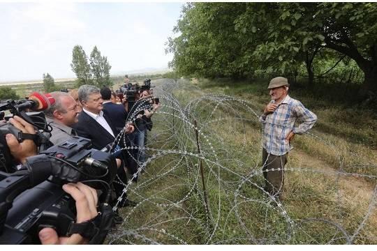 Порошенко прибыл на границу Южной Осетии, чтобы поддержать Грузию
