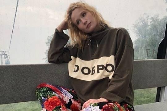 Лиза Монеточка получила 700 тыс.  руб.  занесостоявшееся выступление в столицеРФ