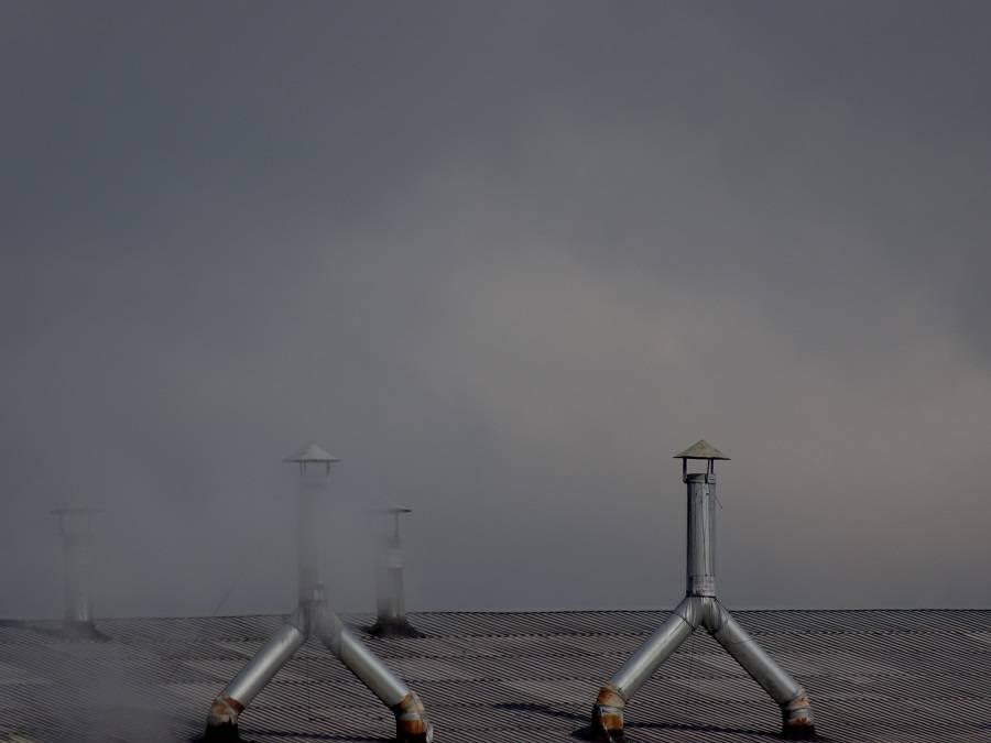 Челябинские чиновники упрямо не желают проводить проверку, какое количество ядовитых выхлопов выбрасывается из этих труб