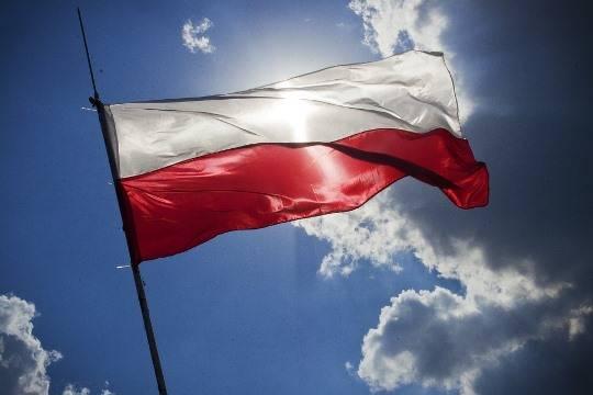 Посольство Польши в Тель-Авиве разрисовали свастиками и оскорбительными надписями