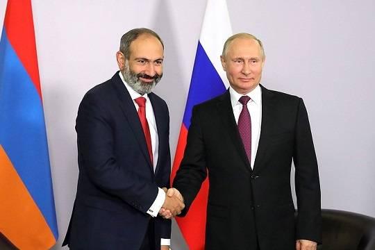 Путин и Пашинян обсудили по телефону сотрудничество России и Армении