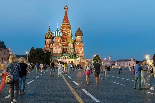 Путин подписал закон о выдаче интуристам полугодовых виз без принципа взаимности