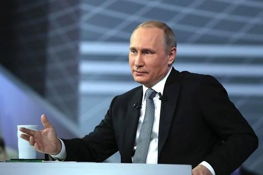 Путин согласился объявить дни между майскими праздниками нерабочими