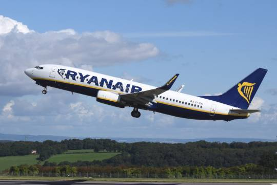 Росавиация решит вопрос о разрешении на прибытие прибывающих в обход Белоруссии рейсов