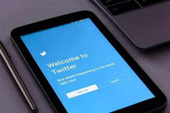 Роскомнадзор потребовал от Twitter разъяснений по блокировке 100 российских аккаунтов
