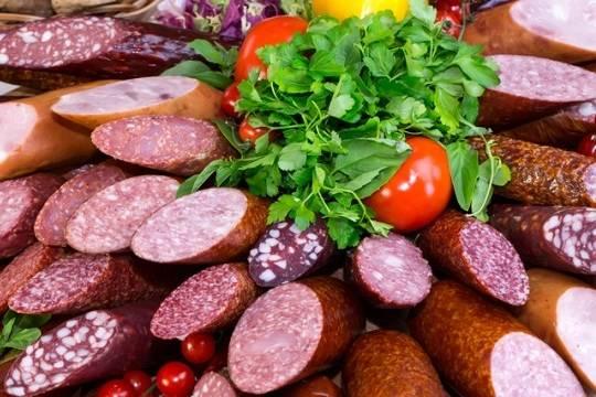 Российское правительство решило устроить масштабную проверку колбасы