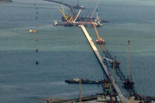 Жители России  могут выбрать название для моста через Керченский пролив