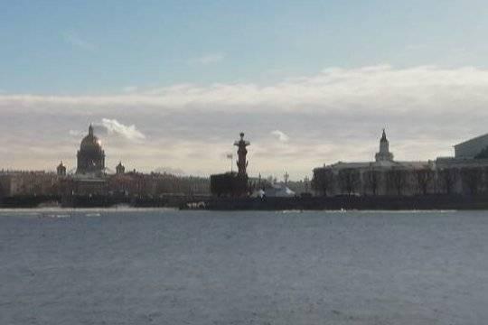 Россияне массово отказались от визитов в Санкт-Петербург на фоне антикоронавирусных ограничений