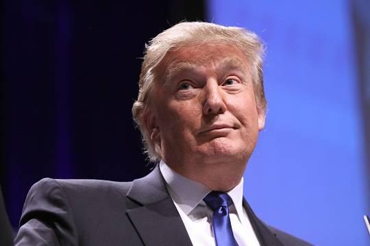 Сандерс: Трамп не хочет ввязываться в бесконечные споры с Путиным