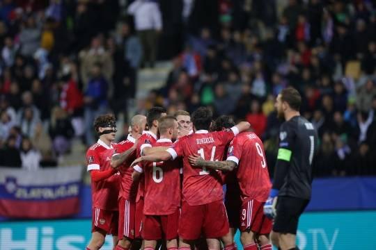 Сборная России одержала победу в матче отбора на ЧМ-2022 против Словении и вышла на первое место в группе