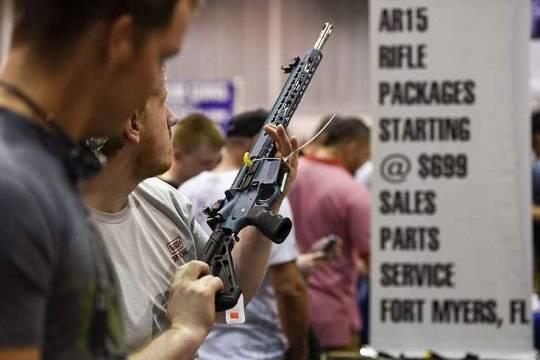 ВоФлориде запрет на реализацию винтовки AR-15 продержался 15 мин.