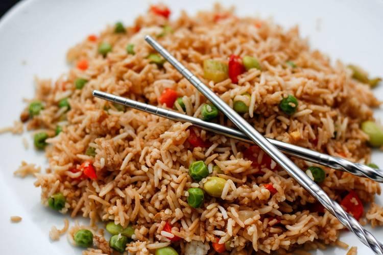 Сколько плесени в рисе «Маркет Перекресток», чем пахнет рис «Увелка», и какие яды скрываются в белой крупе?