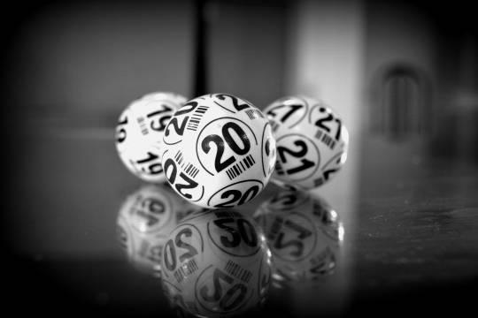 Стало известно о волне мошенничества с лотереями