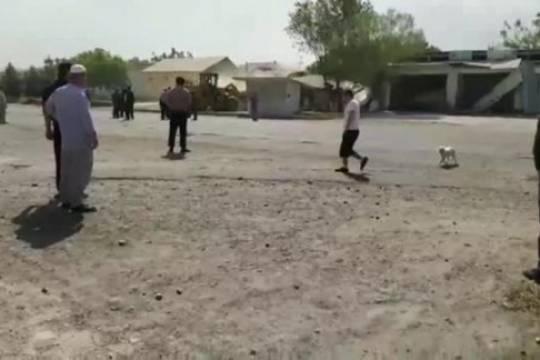 Таджики на бульдозерах отправились громить дома киргизов