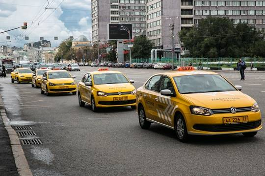Таксист открыл стрельбу по людям в центре Москвы