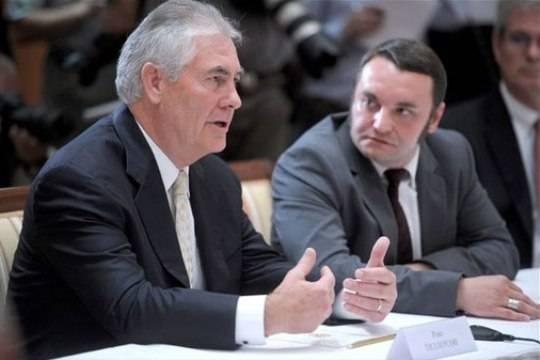 Тиллерсон обвинил РФ ватаке наее«демократических соседей»