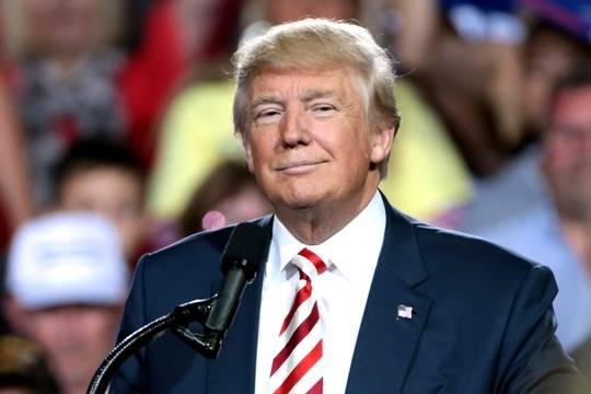 Трамп в очередной раз оскорбил женщин, пошутив про Boeing