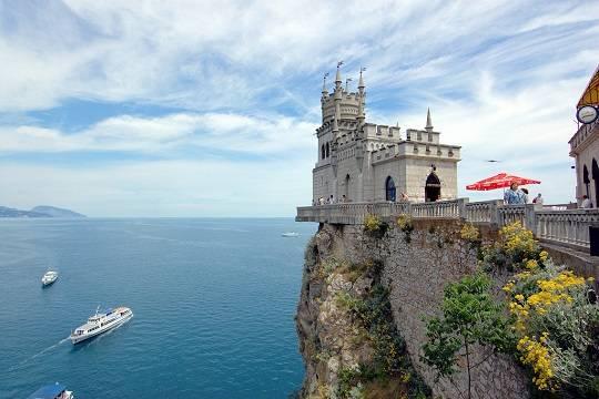 Украинские туристы массово хлынули в Крым из-за безопасности