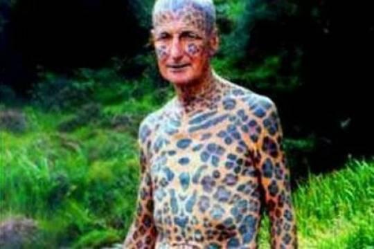 ВШотландии скончался самый татуированный пенсионер вмире