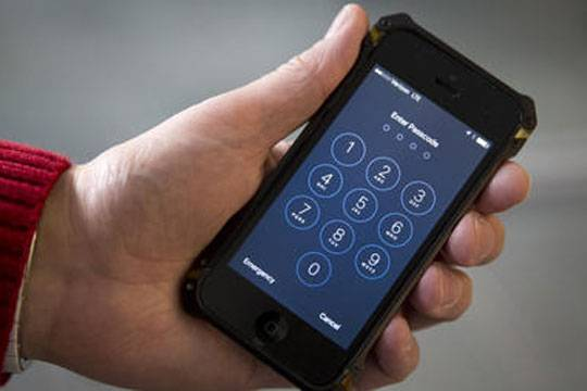 Безопасность личных данных владельцев iPhone скоро может оказаться их собственной проблемой