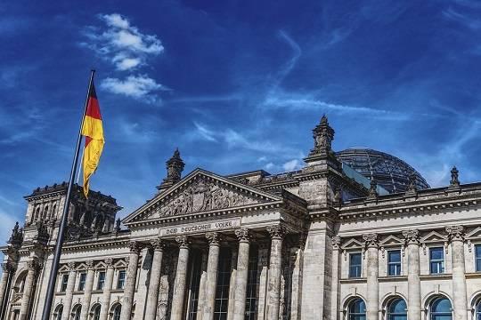В бундестаге оценили шансы Спутника V на одобрение в Евросоюзе