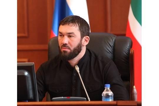Очевидцы могли видеть спикера парламента Чечни при пытках геев вреспублике