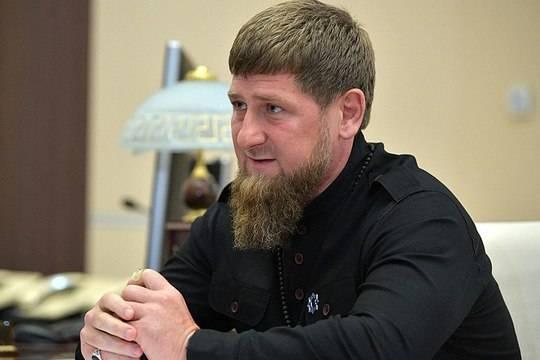 В Чечне пообещали 500 тысяч рублей за лучшие портреты Кадырова и его семьи