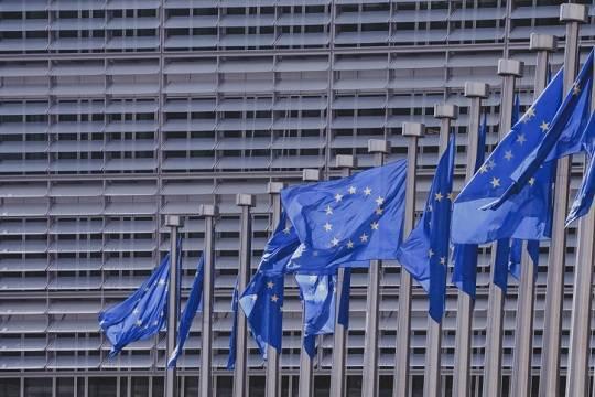 В Еврокомиссии констатировали начало третьей волны COVID-19 в Европе