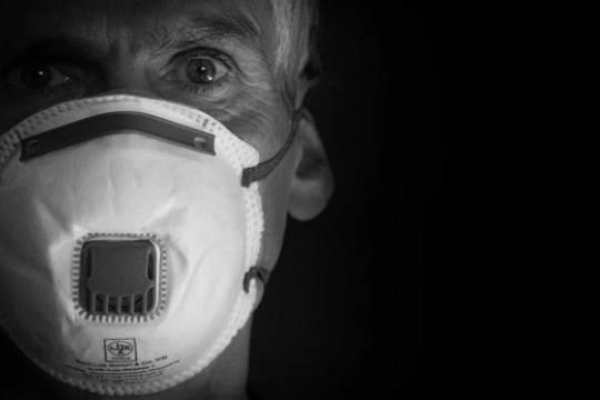 В Индии политик заявил, что коронавирус имеет право жить, как и люди