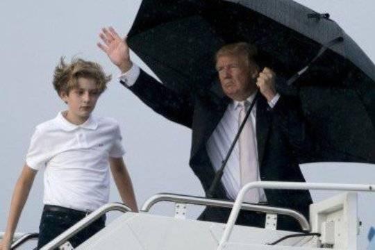 Трамп оставил супругу  исына мокнуть под дождем