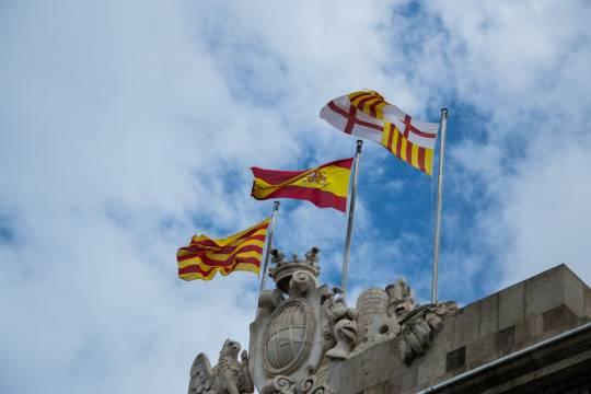 В Испании десятки людей пострадали в протестах из-за ареста рэпера