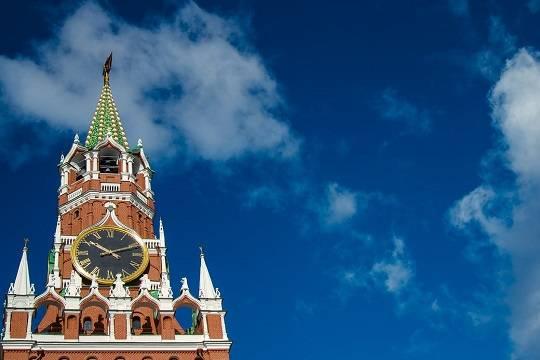 В Кремле рассчитывают остановить падение доходов россиян в течение 2021 года