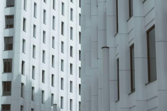 В Московской области двухлетняя девочка упала с 15 этажа
