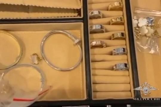 В Москве полиция пресекла производство и продажу поддельных ювелирных изделий