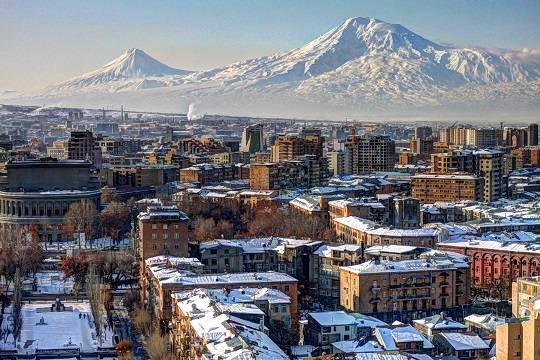 В одном из ресторанов в центре Еревана произошел взрыв, есть пострадавшие