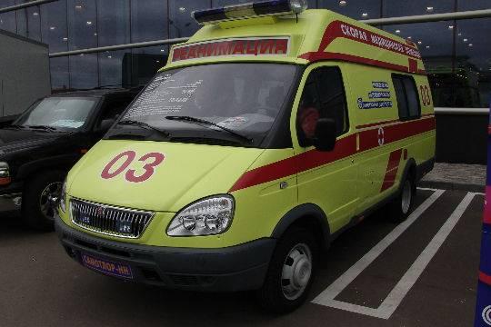 Автохам на Порш Cayenne отказался пропускать скорую спациенткой вПетербурге
