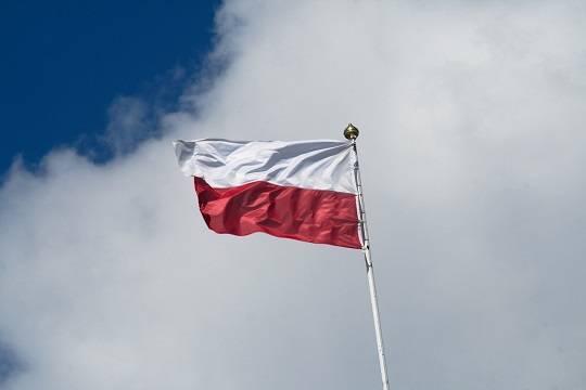В Польше введут новые ограничения из-за ситуации с COVID-19