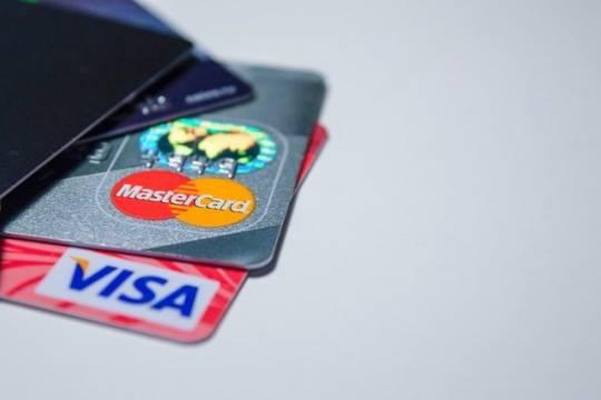 В РФ допустили вероятность отключения российских пользователей от платежных систем Visa и Mastercard