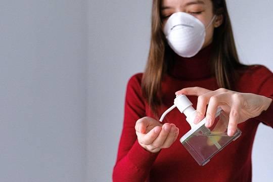 В России за сутки выявили 24 715 новых случаев заражения коронавирусом и 555 летальных исходов