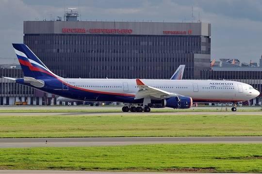 В Шереметьево самолет остановил взлет из-за человека на взлетной полосе