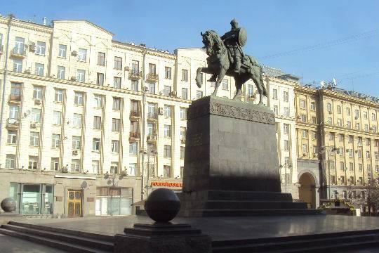 В столице России отреставрируют неменее сотни монументов искульптур