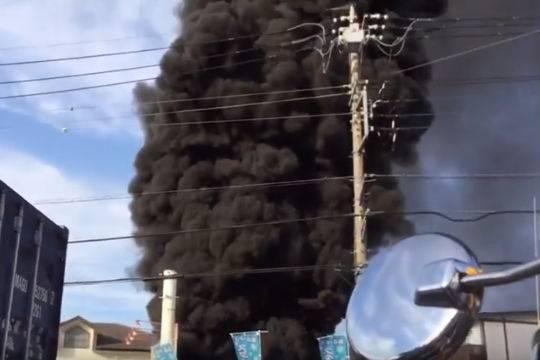 В Токио из-за аварии остановились поезда, и погас свет в жилых домах