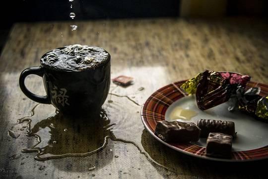 В Улан-Удэ мальчик жил в квартире с мертвой бабушкой