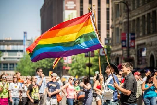 В Великобритании сообщили о фиктивных и насильственных браках представителей ЛГБТ-сообщества